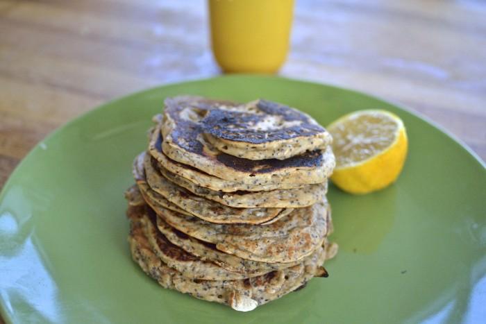 Lemon Poppy seed pancakes /Лимонные блинчики с маком.