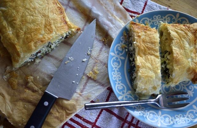 Puff pastry Spinach-feta pie. Spanakopita / Пирог из слоеного теста с шпинатом и фетой. Спанакопита