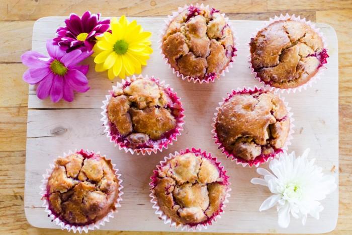 White chocolate raspberry skinny muffins  ./Низкокалорийные маффины с белым шоколадом и малиной.