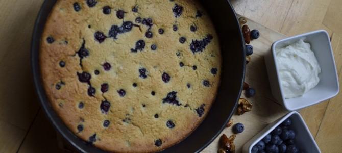 Perfect Day off and an oven-baked blueberry pancake./  Идеальный выходной и черничный блинчик в духовке.