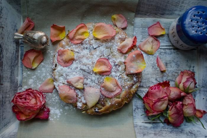 Apple-Rhubarb pie. /Яблочно-ревневый пирог.